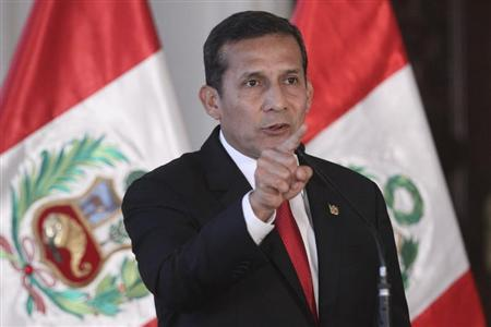 Peru's President Ollanta Humala announces to the media his denial of the request of former President Alberto Fujimori for an humanitarian pardon based on medical reasons, at the Government Palace in Lima, June 7, 2013. REUTERS/Peruvian Presidency/Handout