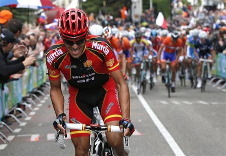 Alberto Contador of Spain cycles up the Cauberg hill during the Men's Elite Road Race at the UCI Road World Championships in Valkenburg September 23, 2012. REUTERS/Bas Czerwinski/Pool