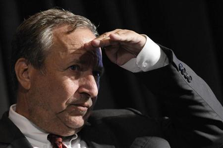 Former White House economic advisor Larry Summers looks into the audience at the Bretton Woods Committee International Council in Washington, September 23, 2011. REUTERS/Jonathan Ernst