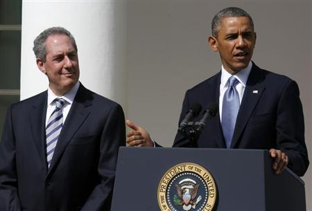 U.S. President Barack Obama announces Michael Froman (L) as his nominee for U.S. Trade Representative while in the Rose Garden at the White House in Washington May 2, 2013. REUTERS/Larry Downing