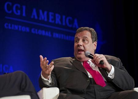 New Jersey Governor Chris Christie speaks during the Clinton Global Initiative America meeting in Chicago, Illinois, June 14, 2013. REUTERS/John Gress