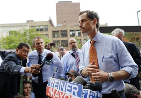 Former U.S. Congressman and New York City mayoral candidate Anthony Weiner speaks with reporters at campaign event in New York, May 23, 2013. REUTERS/Brendan McDermid