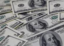 Les Etats-Unis ont retrouvé pour la première fois en douze ans la tête d'un classement qui mesure la confiance qu'inspirent les différents pays en matière d'investissements directs à l'étranger (IDE). Aucun Etat de la zone euro ne figure parmi les cinq premières destinations de l'indice 'Foreign direct investment confidence', établi en octobre et novembre 2012 par le cabinet A.T. Kearney auprès de plus de 300 dirigeants d'entreprise dans 28 pays. /Photo d'archives/REUTERS/Lee Jae-Won