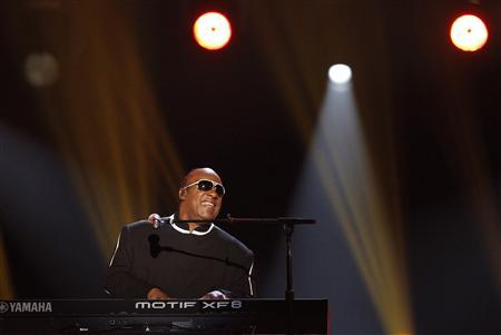 Stevie Wonder performs ''Sir Duke'' at the 48th ACM Awards in Las Vegas, April 7, 2013. REUTERS/Mario Anzuoni