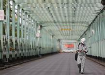 L'activité du secteur manufacturier japonais a augmenté en juin à son rythme le plus rapide en plus de deux ans, selon l'indice PMI Markit/JMMA. /Photo prise le 28 juin 2013/REUTERS/Yuya Shino