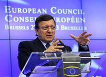 Presidente da Comissão Europeia, José Manuel Barroso, fala em coletiva de imprensa durante reunião de líderes em Bruxelas. Líderes da União Europeia confirmaram nesta sexta-feira que querem um acordo até o final do ano sobre uma maneira para resolver a questão de bancos falidos a nível europeu e não nacional, sinalizando que o trabalho pode continuar apesar das eleições na Alemanha em setembro. 28/06/2013. REUTERS/Yves Herman