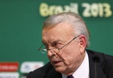 O presidente da Confederação Brasileira de Futebol (CBF), José Maria Marin, concede entrevista coletiva no Rio de Janeiro nesta sexta-feira. 28/06/2013 REUTERS/Sergio Moraes