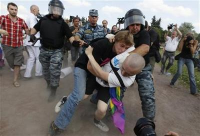 Russian pro-, anti-gay activists clash, police detain...