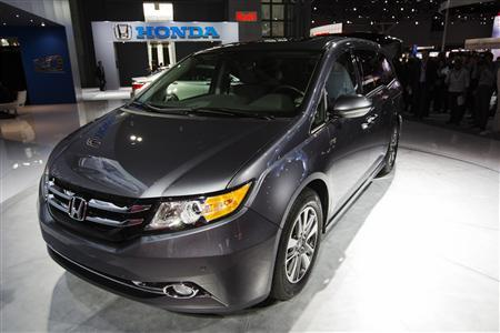 The Honda 2014 Odyssey minivan is displayed during the New York International Auto Show in New York, March 28, 2013. REUTERS/Lucas Jackson