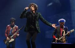 (From L to R) Ronnie Wood, Mick Jagger and Keith Richards of the Rolling Stones perform on the Pyramid Stage at Glastonbury music festival at Worthy Farm in Somerset, June 29, 2013. REUTERS/Olivia Harris (BRITAIN - Tags: ENTERTAINMENT)