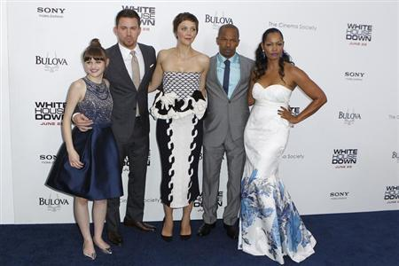 Cast members (L-R) Joey King, Channing Tatum, Maggie Gyllenhaal, Jamie Foxx, and Garcelle Beauvais arrive for the premiere of the film ''White House Down'' in New York June 25, 2013. REUTERS/Lucas Jackson