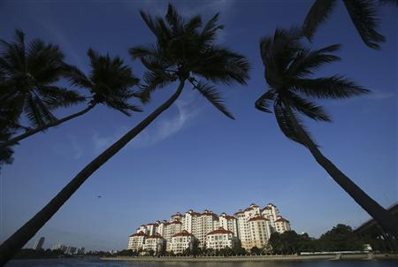 A general view of private condominiums at Tanjong Rhu in Singapore in this March 15, 2013 file photo.ed investors who might be caught out by an expected rise in interest rates over the coming months. REUTERS/Edgar Su/Files