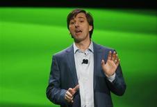 Дон Мэттрик представляет новый Xbox в Редмонде, штат Вашингтон 21 мая 2013 года. Конструктор игр для соцсетей Zynga Inc сменил генерального директора: место основателя компании Марка Пинкуса займет бывший руководитель подразделения Microsoft Corp Xbox Дон Мэттрик. REUTERS/Nick Adams