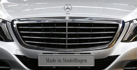 The emblem of German car Mercedes-Benz is pictured before a news conference about the new production line of the Mercedes-Benz S-class in Sindelfingen near Stuttgart, June 12, 2013. REUTERS/Michaela Rehle
