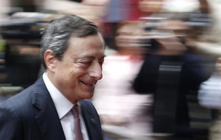European Central Bank (ECB) President Mario Draghi arrives at a European Union leaders summit in Brussels June 28, 2013. REUTERS/Francois Lenoir