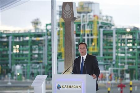 Britain's Prime Minister David Cameron delivers a speech during a presentation on the Kashagan offshore oil field at the Bolashak oil plant near Atyrau in Kazakhstan June 30, 2013. REUTERS/Leon Neal/pool