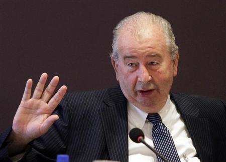 Argentine Football Association President Julio Grondona gestures during a meeting in Luque, near Asuncion February 4, 2012. REUTERS/Jorge Adorno