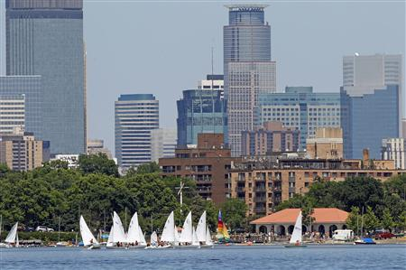 Sailors navigate a course on Lake Calhoun in Minneapolis, Minnesota July 3, 2013. REUTERS/Eric Miller