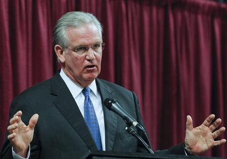 Missouri Governor Jay Nixon participates in a debate with David Spence at the Holiday Inn Executive Center in Columbia, Missouri, September 21, 2012. REUTERS/ Sarah Conard