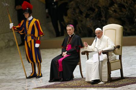 Pope Francis speaks as he leads a meeting celebrating the ''Year of the faith'' in Paul VI's hall at the Vatican July 6, 2013. REUTERS/Tony Gentile (VATICAN - Tags: RELIGION) - RTX11EQ2