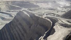 Imagen de archivo de la mina de cobre Zaldívar en Antofagasta, Chile, abr 15 2013. El Fondo Monetario Internacional (FMI) recortó el martes su estimación de crecimiento económico mundial en el 2013 por quinta vez desde inicios del año pasado, debido a una desaceleración en las naciones emergentes y las dificultades generadas por la recesión en Europa. REUTERS/Julie Gordon
