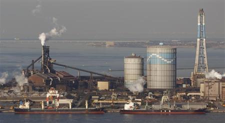 Nippon Steel & Sumitomo Metal Corp.'s Kimitsu steel plant is seen in Kimitsu, east of Tokyo February 20, 2013. REUTERS/Issei Kato