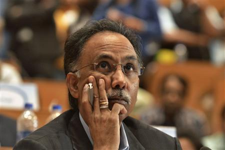 S.D. Shibulal, CEO of Infosys, attends the company's quarterly earnings at their headquarters in Bangalore July 12, 2013. Infosys Ltd hopes a return to aggressively chasing deals, even those with low margins, will help it regain lost market share but cut-throat competition and a possible change in U.S. visa rules may derail its plans. REUTERS/Stringer