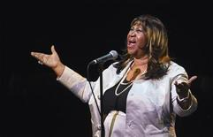 Singer Aretha Franklin performs during a tribute concert to composer Marvin Hamlisch in New York September 18, 2012. HREUTERS/Lucas Jackson