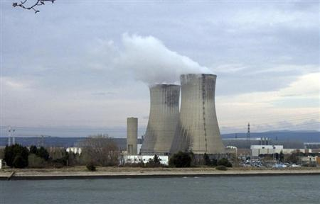Cooling towers at the French nuclear Tricastin site in southeastern France are seen in this March 6, 2009 file photo. REUTERS/Muriel Boselli/Files
