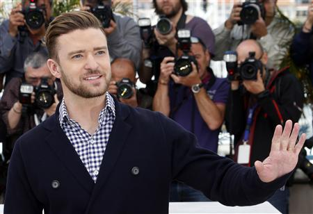 Cast member Justin Timberlake poses during a photocall for the film 'Inside Llewyn Davis' at the 66th Cannes Film Festival in Cannes May 19, 2013. REUTERS/Jean-Paul Pelissier