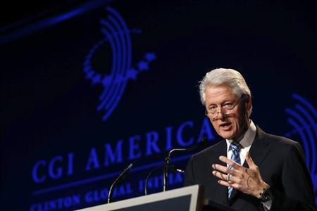 Former U.S. President Bill Clinton speaks at the Clinton Global Initiative America meeting in Chicago, Illinois, June 13, 2013. REUTERS/Jim Young