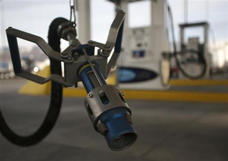 A LNG fuel pump nozzle at a Blu LNG filling station in Salt Lake City, Utah, March 13, 2013.REUTERS/Jim Urquhart