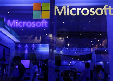 People visit the Microsoft booth at the 2013 Computex exhibition at the TWTC Nangang exhibition hall in Taipei in this file photo from June 4, 2013. REUTERS/Pichi Chuang/Files