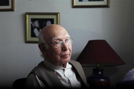 Sartaj Aziz, who has been advising Pakistan's incoming Prime Minister Nawaz Sharif, attends an interview with Reuters at his office in Lahore May 24, 2013. REUTERS/Mohsin Raza