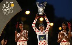 Le Colombien Nairo Quintana (Movistar) a terminé le tour de France dauphin de Christopher Froome et également meilleur grimpeur et meilleur jeune. /Photo prise le 21 juillet 2013/REUTERS/Jean-Paul Pelissier