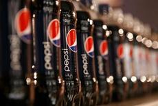 Le titre Pepsico figure au rang des valeurs à suivre ce lundi sur les marchés américains, alors que le groupe a annoncé vendredi un dividende trimestriel en hausse de 6% par rapport à ce qui avait été versé au titre du deuxième trimestre 2012. /Photo d'archives/REUTERS/Mike Segar