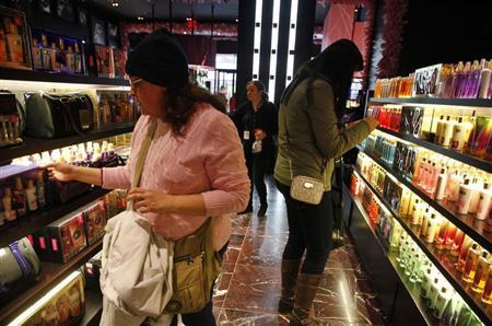 Shoppers browse the aisles of the Victoria's Secret flagship store in New York, November 19, 2012. REUTERS/Brendan McDermid