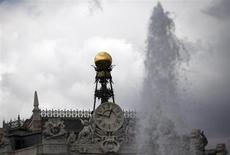Cúpula do Banco da Espanha, banco central do país, no centro de Madri, 19 de junho de 2013. A economia espanhola encolheu 0,1 por cento no segundo trimestre, estimou nesta terça-feira o BC espanhol, a menor queda desde que o país entrou em recessão no fim de 2011. 19/06/2013 REUTERS/Sergio Perez