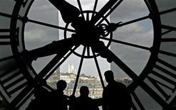 Des horloges atomiques plus précises ont été mises au point par des chercheurs de l'Observatoire de Paris, ouvrant la voie à des avancées dans de nombreux domaines scientifiques, dont la prévention de séismes et la réalisation des cartes. /Photo d'archives/REUTERS/Toby Melville