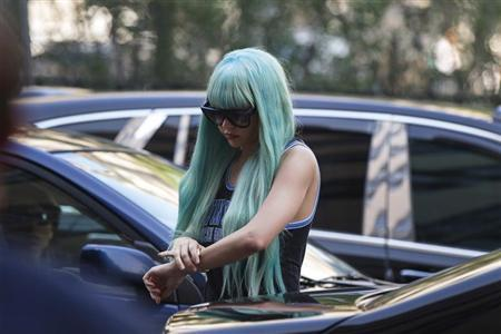 Actress Amanda Bynes arrives for a court hearing at Manhattan Criminal Court in New York July 9, 2013. REUTERS/Lucas Jackson