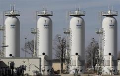Газораспределительная станция Gas Connect Austria в Баумгартене, 6 марта 2013 года. Австрийская нефтегазовая компания OMV списала во втором квартале активы, относящиеся к газопроводному проекту Nabucco, на 55 миллионов евро. REUTERS/Heinz-Peter Bader