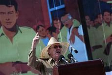O presidente de Cuba, Raúl Castro, discursa durante evento em Santiago de Cuba, no leste do país, nesta sexta-feira. 26/07/2013 REUTERS/Stringer