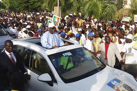 Presidential candidate Ibrahim Boubacar Keita leads a rally on the last day of campaigning before Sunday's poll in Bamako July 26, 2013. REUTERS/Alain Amontchi