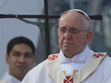 Pope Francis celebrates his final mass on Copacabana Beach in Rio de Janeiro, July 28, 2013. REUTERS/Luca Zennaro/Pool