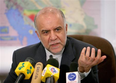 Iranian Oil Minister Bijan Zanganeh speaks during a news conference at the Oil Ministry in Tehran in this March 8, 2005 file photo. REUTERS/Raheb Homavandi/Files