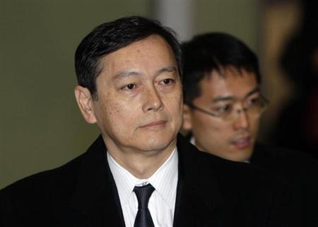 Japan's chief envoy to the six-party talks Akitaka Saiki arrives at Beijing airport November 30, 2010.REUTERS/Jason Lee