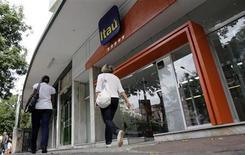Agência do Banco Itaú, em novembro de 2008, no Rio de Janeiro. 03/11/2008 REUTERS/Sergio Moraes