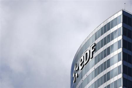 7月30日、 世界最大の原子力発電事業者であるでフランス電力公社(EDF)が、米国の原子力発電市場から撤退する方針を示した。写真はパリ市内の同社本社ビル(2013年 ロイター/Benoit Tessier)