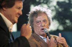 British playwright Tom Stoppard (R) speaks as British director David Hare watches during the annual Literature Festival in Jaipur, capital of India's desert state of Rajasthan January 22, 2012. REUTERS/Altaf Hussain