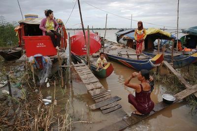 Floating nomads of Cambodia